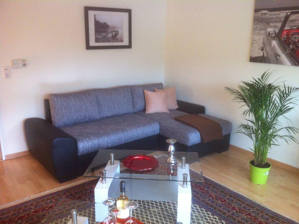 Ferienwohnung in koblenz f r bis zu 7 personen sehr gut for Sofa vor heizung